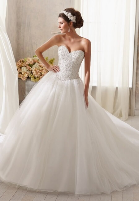 7730ed2c877e Βραδινά Φορέματα με στυλ και φινέτσα Carla Ruiz