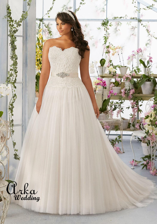Νυφικό Φόρεμα, σε Μεγάλο Μέγεθος, για Παχουλή Νύφη, με Μπούστο Δαντέλα. Κωδ. 3193