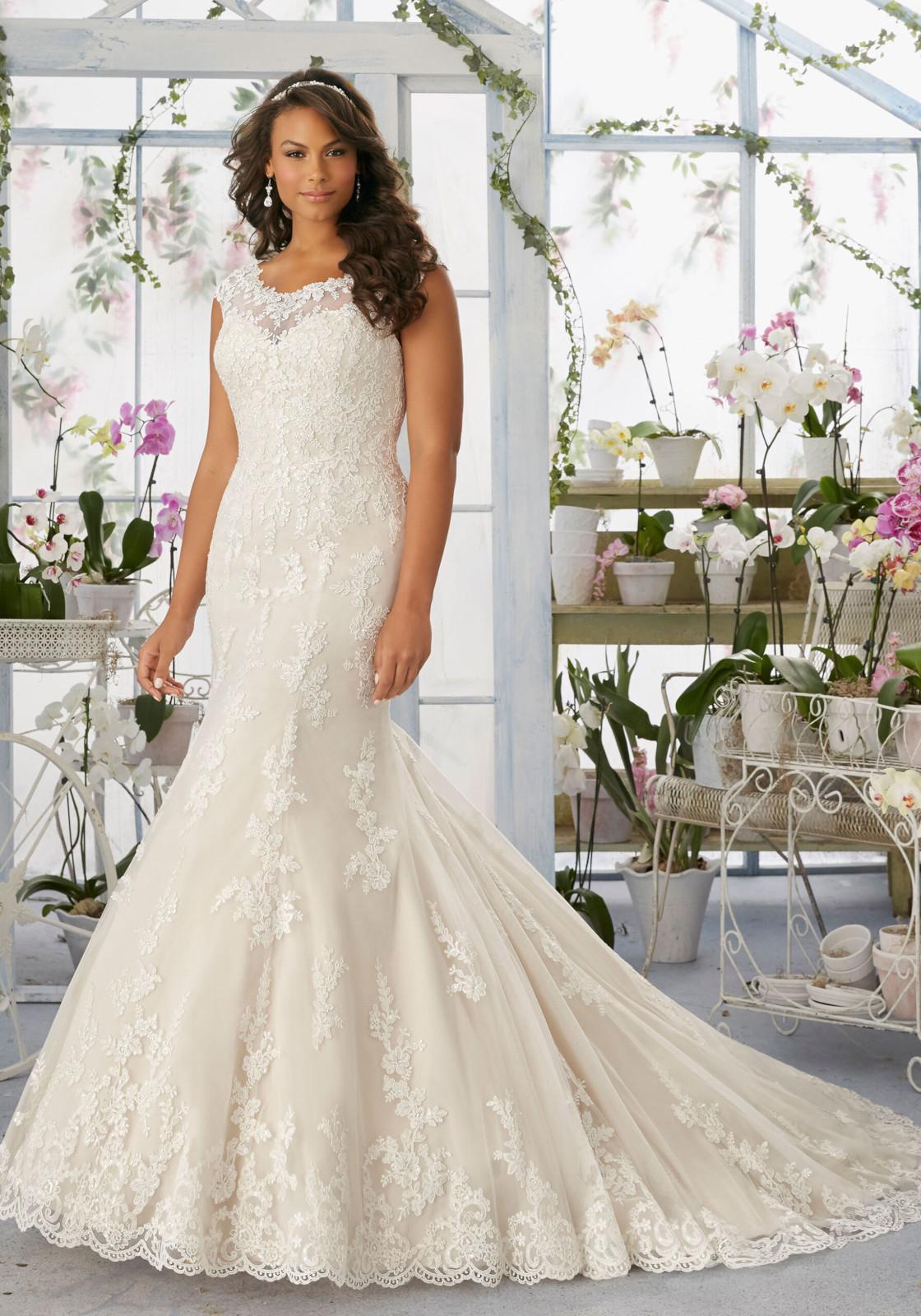Νυφικό Φόρεμα, Plus Size, Δαντέλα Morilee, Κεντημένη. Style. 3194