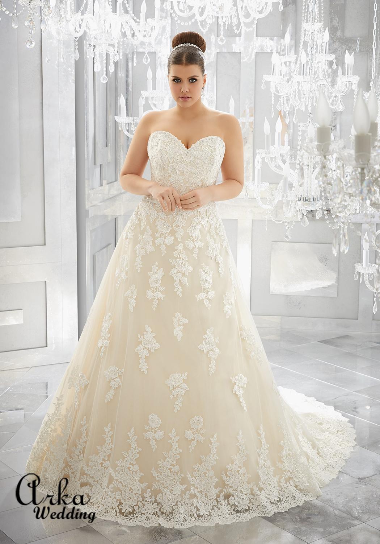 Νυφικό Φόρεμα, Στράπλες, από Δαντέλα, για Κομψή Παχουλή Νύφη. Κωδ. 3226