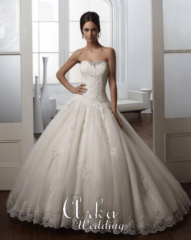Νυφικό Φόρεμα, Δαντέλα. Πλούσια Φούστα. Κωδ. 51021