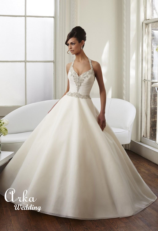 Νυφικό Φόρεμα Satin, με πρωτότυπη Κεντημένη Πλάτη. Κωδ.  51023