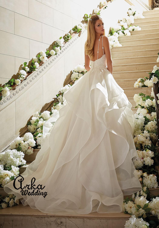 Νυφικό Φόρεμα, με Μπούστο Δαντέλα, και Φούστα Αέρινα Βολάν,. Κωδ. 5465.