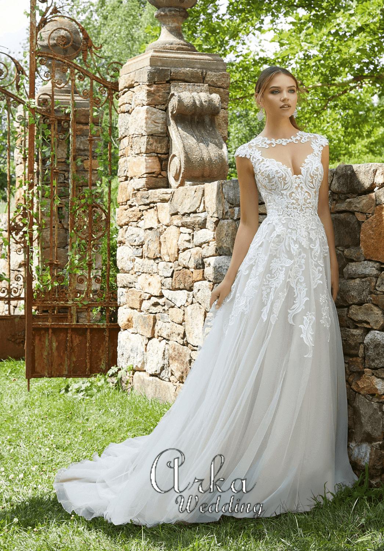 Νυφικό Φόρεμα, με Δαντέλα Μπούστο , και Αέρινη Φούστα. Κωδ. 5715