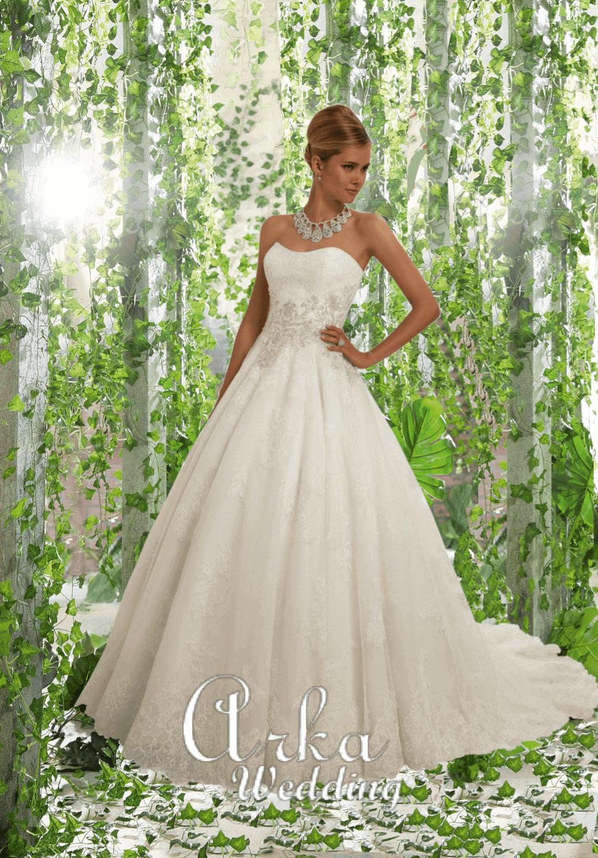 Νυφικό Φόρεμα, με Μπούστο και Φούστα Κεντημένα με Δαντέλα. Κωδ. 68022