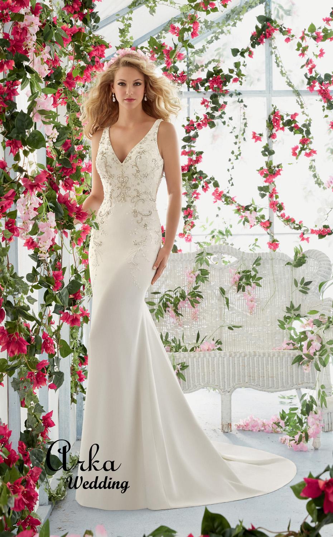 Νυφικό Φόρεμα, Luch Crepe, Κεντημένο με Κρύσταλλα και Πέρλες. Κωδ. 6811