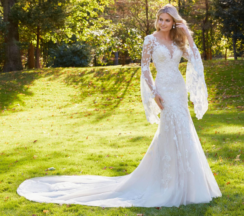 Νυφικό Φόρεμα, Δαντέλα, με Μανίκια Καμπάνα, Morilee, by Madeline Gardner. Style. 8129