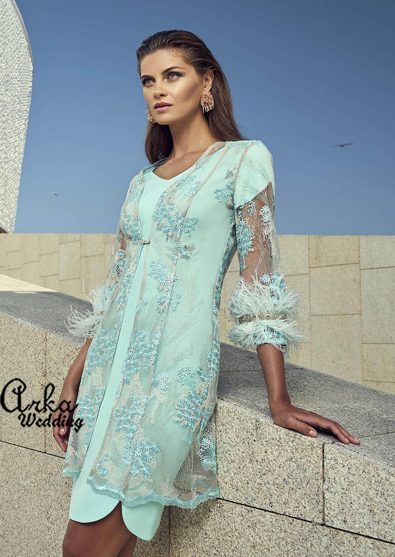 Βραδινό Φόρεμα από Crepe με Μαντό από Δαντέλα. Κωδ. 95503