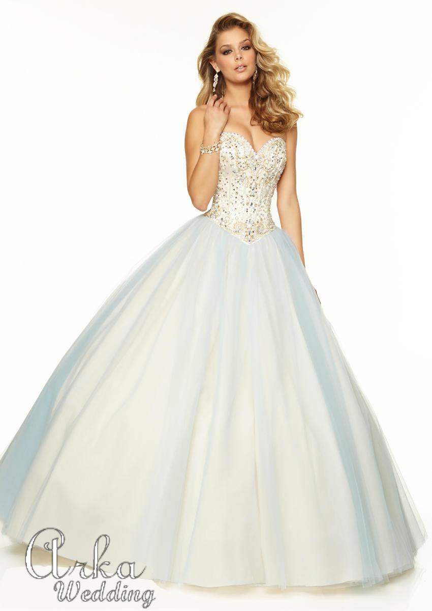 Νυφικό Φόρεμα, Στράπλες, Κεντημένο με Κρύσταλλα στο Μπούστο. Κωδ. 97031
