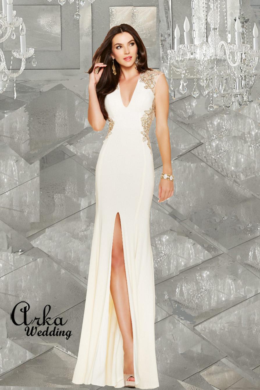 Νυφικό Φόρεμα Στενό strech, με Κεντήματα Χρυσά.. Κωδ. 98053