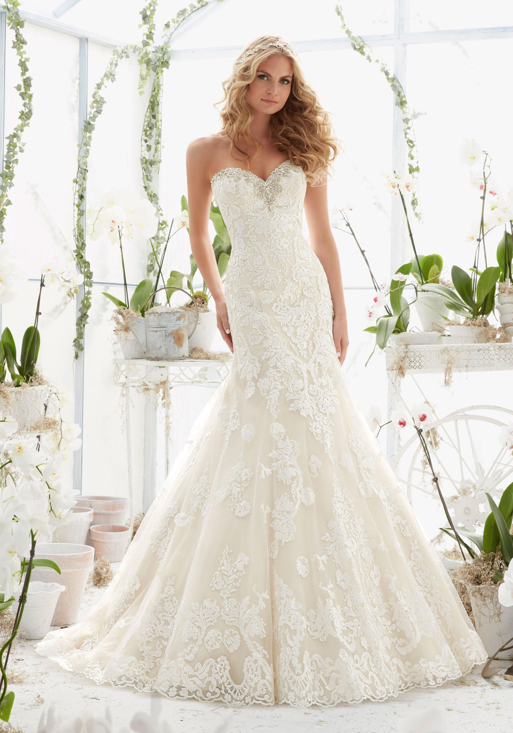 Νυφικό Φόρεμα, Morilee, με Crystal Moonstone Κέντημα. Style. 2817